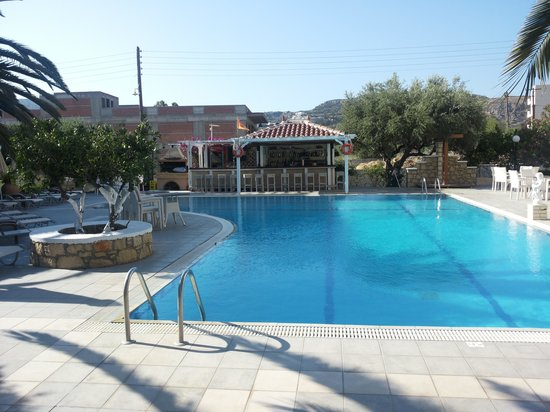 Hotel Romantica Apartments: Pool