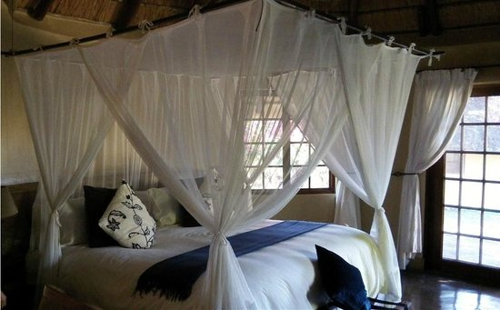 Elephant Plains Game Lodge: Inside rondavel #5 -- it was beautiful.