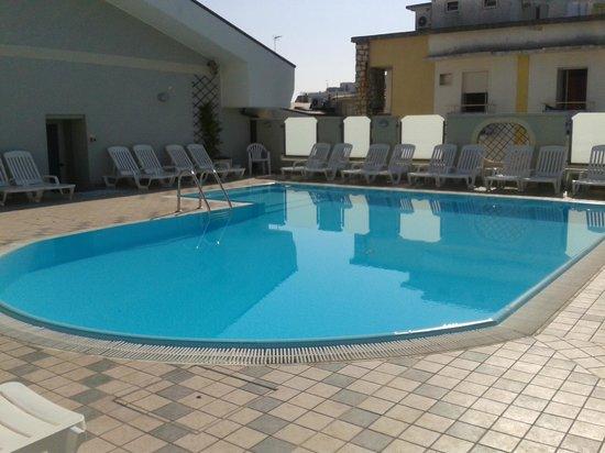Hotel Principe: Piscina