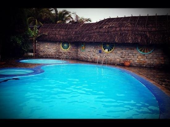 Green Coconut Resort: swiming pool