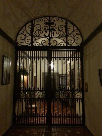 Residenza d'Epoca Via Santo Spirito 6: Entry