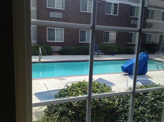 Extended Stay America - Dallas - Plano Parkway: small pool here