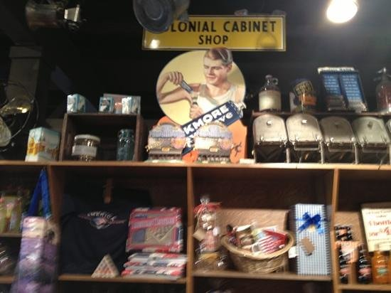 Cracker Barrel Old Country: old time feel