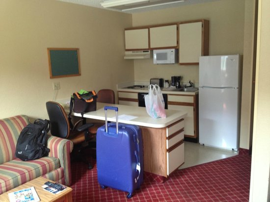 Extended Stay America - Dallas - Plano Parkway: inside the room