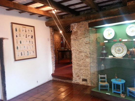 Museo Portugues de Colonia del Sacramento: edificio y muestra
