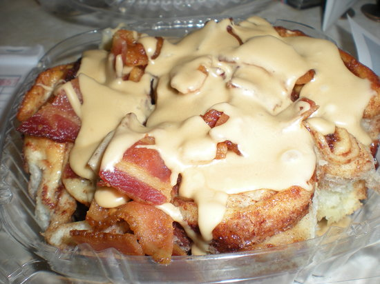 Sugar Mama's Cafe: Maple Bacon Cinnamon Roll