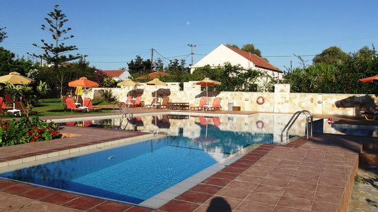 Androulakis Apartments : Pool Area