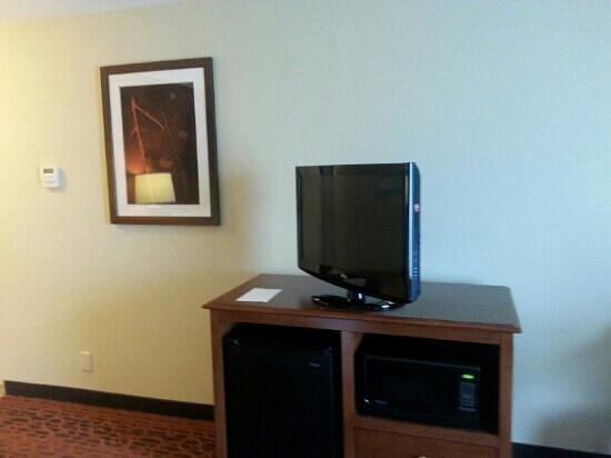 "Hampton Inn Clinton: 32""? tv..nice size"