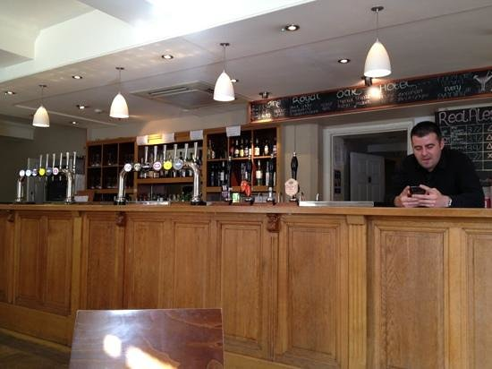 The Royal Oak Hotel: main bar