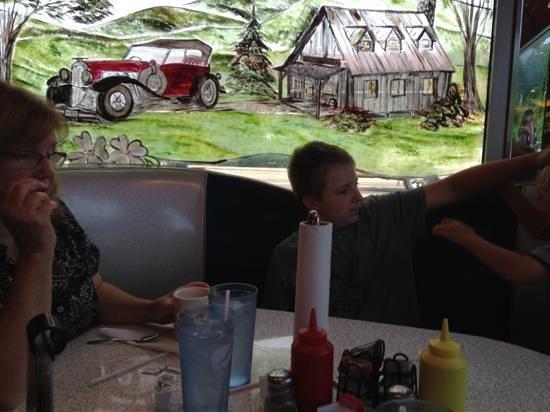 Mel's Classic Diner: August 2013