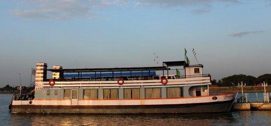 Lumbini Park : Ferry ride...
