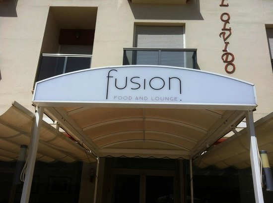 Fusion Food and Lounge - signage