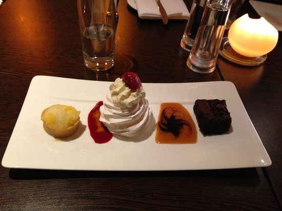 Malone Lodge Hotel & Apartments: one of the desserts