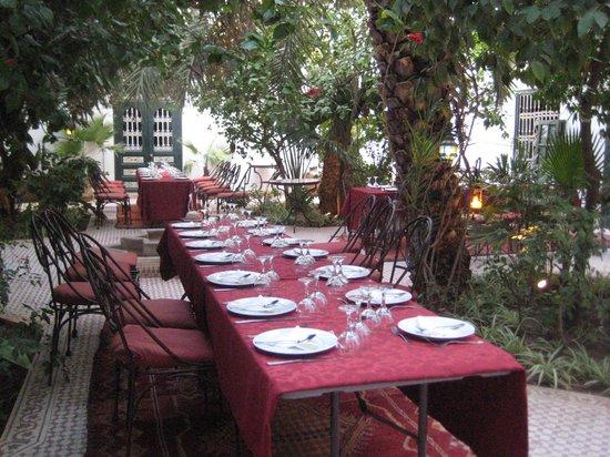 Riad Ifoulki: festliches Abendessen
