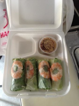 The harbor restaurant and Lounge: spring roll