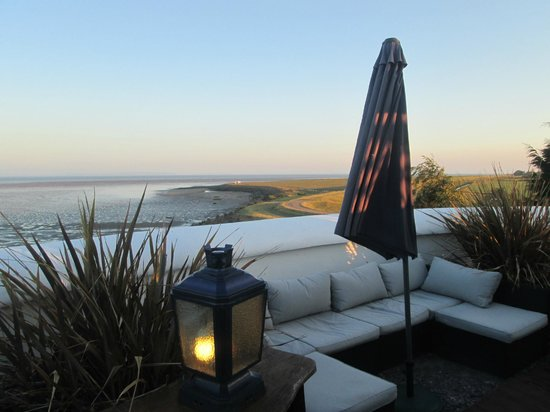 West Usk Lighthouse: Rooftop Garden