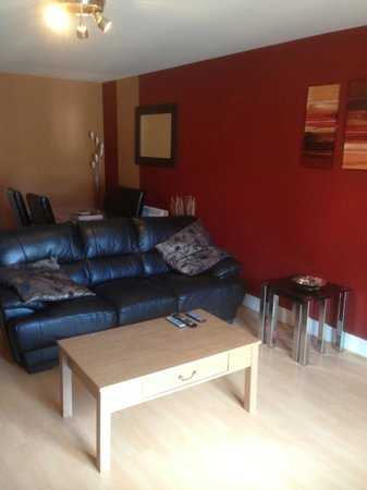 Edinburgh Playhouse Apartments: our livingroom