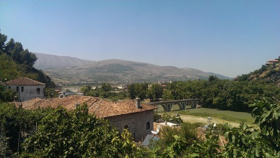 Berat Backpackers: some rooms have a stunning view
