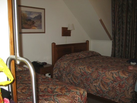 Cacapon Resort State Park: Room 19 -- one queen and one twin bed