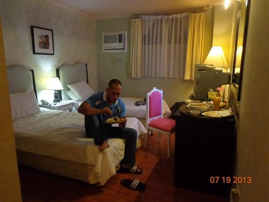 Queen Margarette Hotel: room for 2