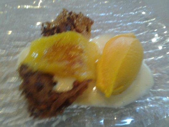 La Salgar: Minigalleta de naranja con helado de mango.