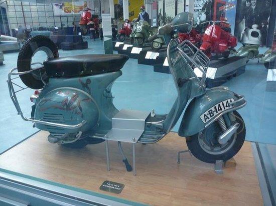 """Piaggio Museum: in vetrina la """"Dalì"""""""