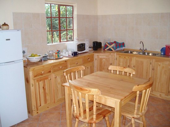 Rosedale Organic Farm B&B: Self catering kitchen