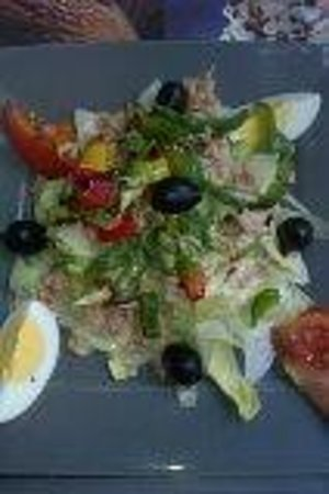 L'Estaminet: Tuna salad