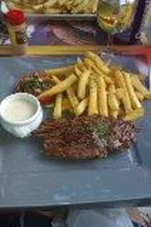 L'Estaminet: Steak and chips