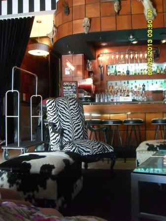 Chesterfield Hotel: Safari Bar& Lounge