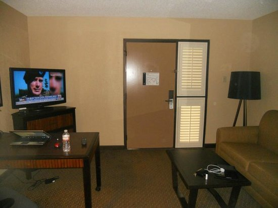 Embassy Suites by Hilton Hotel Phoenix - Tempe: Sitting Area