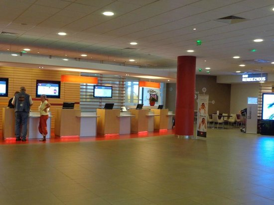 Ibis Paris CDG Airport: Reception