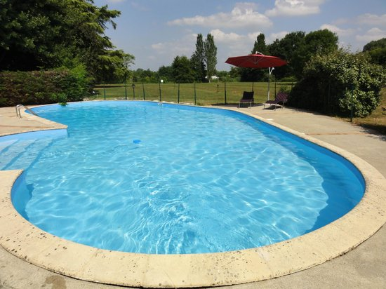 Les Rives du Plantie: piscine