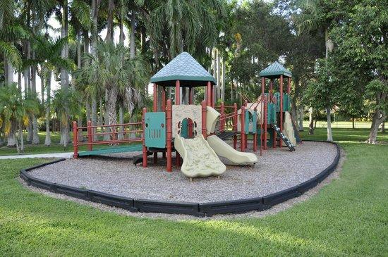 Palma Sola Botanical Garden : Playground