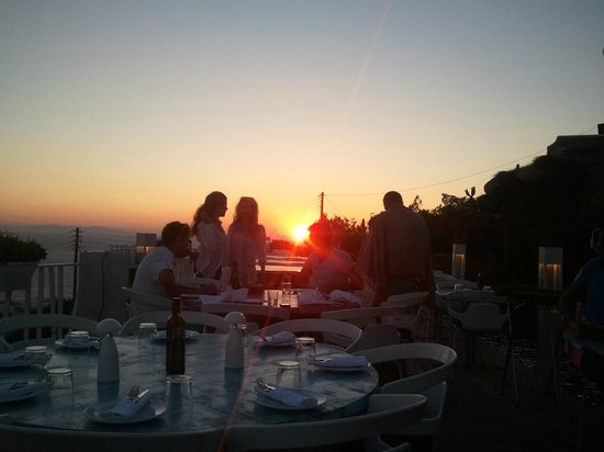 Marechiaro Pizza: Sunset views