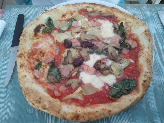 Marechiaro Pizza: Capricciosa