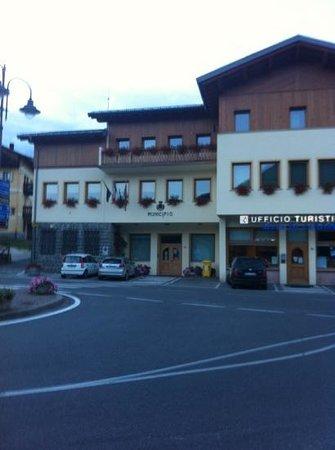 Pro Loco Val Fiorentina: accanto al municipio di selva di Cadore