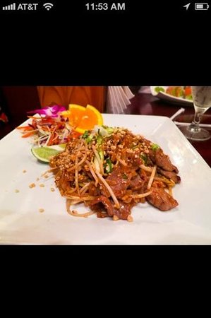 Rama V: Pad Thai beef