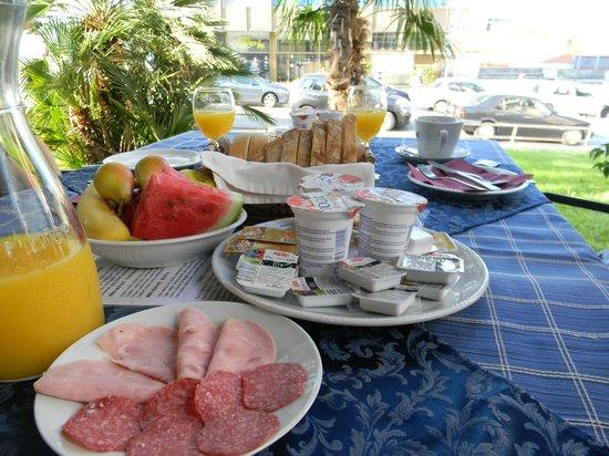Hotel Villa Diana: Breakfast