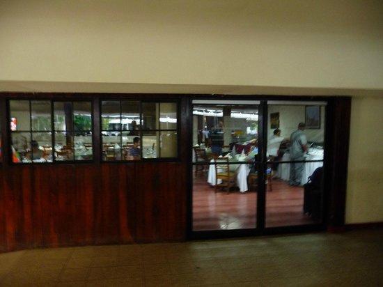 BEST WESTERN Las Mercedes: Inside restaurant area