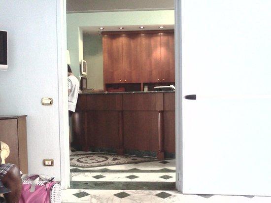 Hotel Donatello : Front Desk