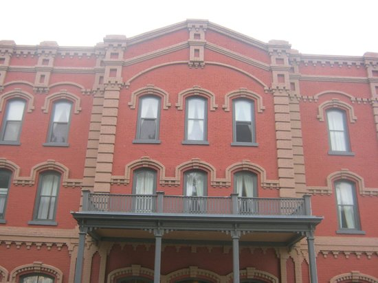 Grand Union Hotel: Front of Grand Union