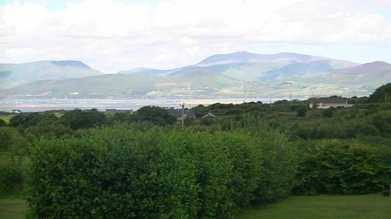 Glenross Camping & Caravanning Park: View from our tent.
