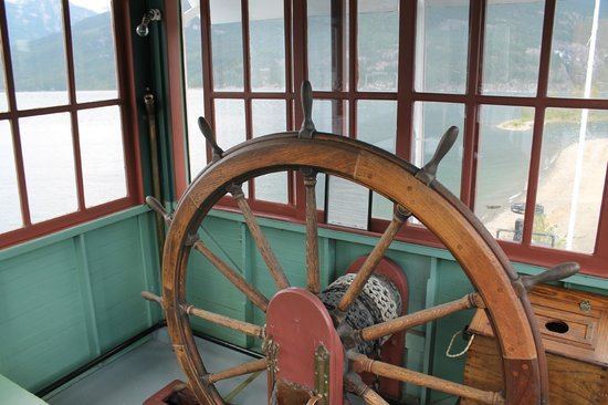 The SS Moyie National Historic Site : Wheel House - SS Moyie