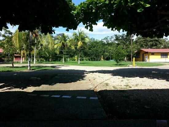 Hotel Paraje del Diria: Día soleado en familia