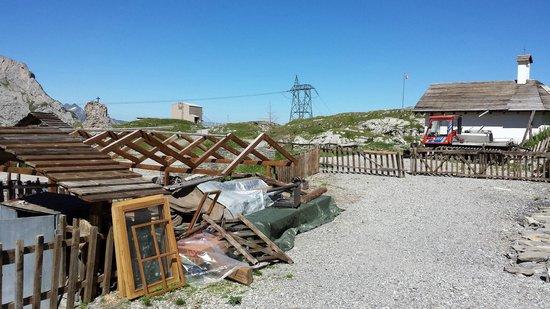 Auberge du Sanetsch: Aussicht aus dem Zimmer: Ewige Baustelle