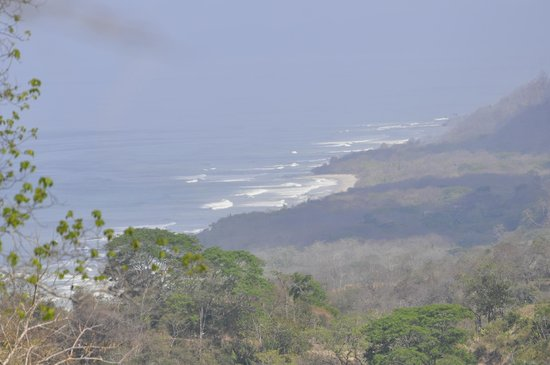 Olingo Surf and Nature Experiences: View of the beach from Malpais birdwatching & nature hike
