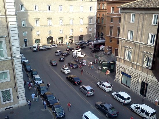 Apartments Casa Navona: Street from bedroom window