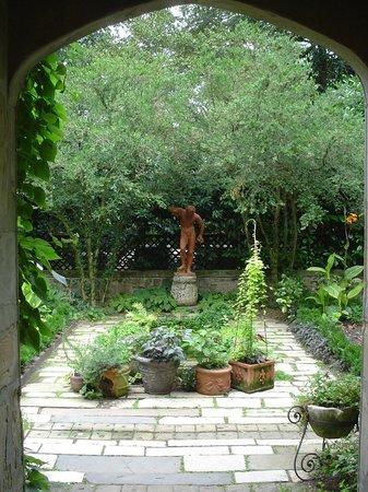 Virginia House: Sulgrave Garden