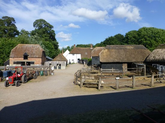 Manor Farm Country Park: Main farmyard